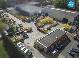 Instapklaar bedrijfsgebouw te koop bestaande uit werkplaats van ca. 1.250m² met aparte burelen van ca. 145m² op ca. 5.065m² in bedrijve