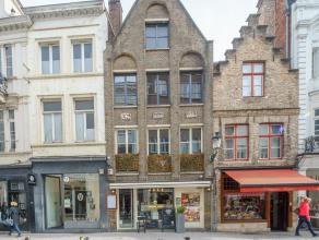 Overname handelsfonds van een instapklare tearoom in het volle commerciële centrum van Brugge.<br /> <br /> Indeling:<br /> - gelijkvloers bestaa