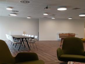 """Nieuwbouw kantoor (103m²) in het  Business Center """"Katelijnepoort"""". <br /> <br /> Bij de ontwikkeling van deze hypermoderne gebouwen, bij de inst"""
