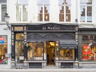 Overname tearoom op top commerciële ligging in het centrum van Brugge.<br /> <br /> Indeling:<br /> Handelspand bestaande uit:<br /> > Gelijkv