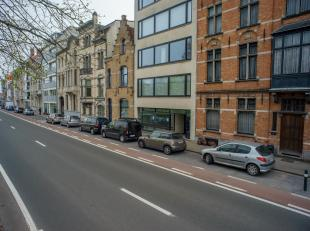 Volledig gerenoveerd kantoor/praktijk met uitbreidingsmogelijkheid op een centrale ligging te Brugge, met prachtig zicht op het Stil Ende.<br /> <br /
