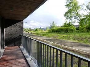 Dit appartement in het project 'Bellevuekaai' is gelegen vlakbij het viaduct in Gent. Dit appartement onderscheidt zich door zijn uitzonderlijke liggi