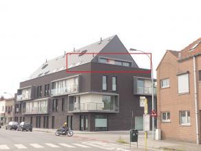 """Prachtig en energiezuinig nieuwbouw dakappartement te huur in residentie """"Green Hill"""" met een groot zonneterras.<br /> <br /> Indeling:<br /> 3°V."""