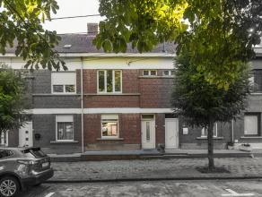 Dit huis is gelegen op het rustige Pieter Pauwel Rubensplein te Kortrijk en beschikt over heel wat troeven met op kop: de ligging. Deze charmante woni