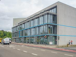 """Nieuwbouw kantoor (BJ: 2010) op de eerste verdieping van het sublieme nieuwbouwproject """"Katelijnepoort"""". <br /> <br /> INDELING:<br /> Oppervlakte: 44"""
