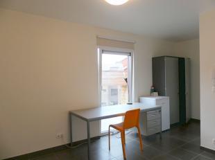 Mooie studentenkamer met badkamer en gemeenschappelijke keuken op boogscheut van hogescholen, Kulab en station.<br /> <br /> Indeling:<br /> Kamer (18