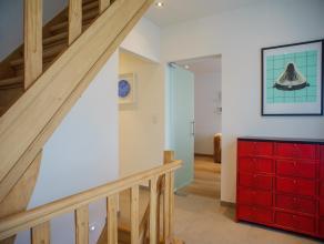 Gezellig, instapklaar huis met onder andere 3 slaapkamers, lichtrijke woonkamer, zonnig terras en immense garage/polyvalente ruimte (59m²). Dit z