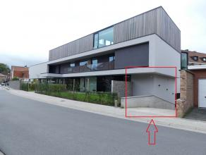 Garagebox te huur<br /> <br /> - licht aanwezig<br /> - stopcontact aanwezig<br /> - prijs: €