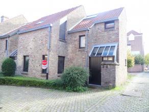 Woning te huur in een zijstraat van de Langerei. De woning beschikt over 3 slaapkamers en een gezellige tuin. Het pand is rustig gelegen, dichtbij de
