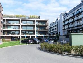 Nieuwbouwappartement met 2 slaapkamers gelegen aan de Damse Vaart. Het appartement omvat 2 ruime slaapkamers en een groot zonneterras.<br /> <br /> In