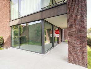 Gelijkvloers nieuwbouwappartement met 2 kamers en tuin + berging en mogelijke staanplaats in residentie Isola Bella, gelegen aan 't Stil Ende aan de E