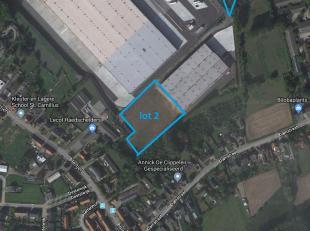 Welgelegen industriegrond in de industriezone Europark-Zuid nabij N16 en E17.<br /> <br /> OPPERVLAKTES:<br />  grond 11.200 m²<br />  mogelijkhe