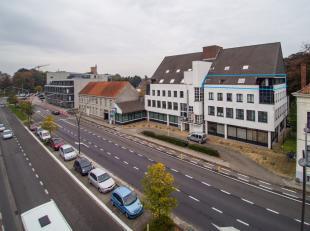 Instapklare kantoorruimte (200m²)  op de derde verdieping in Huis Scepperus. <br /> <br /> Indeling: <br /> - landschapsbureel in L-vorm <br /> -