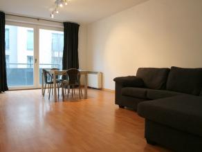 Spacieux appartement avec 2 chambres à louer sur la rue du Frontispice à Bruxelles.<br /> <br /> Disposition:<br /> - living avec une cu