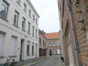 Appartement te huur in centrum Brugge met 1 slaapkamer. Het appartement is gelegen dicht bij de Langerei.<br /> <br /> Indeling:<br /> 2°V: Inkom