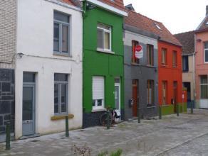 Dit huisje ligt in een rustige en aangename omgeving nabij de Poel en een zijstraat van de Hoogstraat. Dus geen overlast van verkeer en erg rustig gel