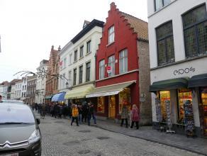 Duplex appartement met 3 slaapkamers en zonnig terras. Gelegen in het centrum van Brugge nabij het Minnewater.<br /> <br /> Indeling:<br /> Glvl.: Ink