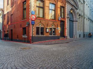 Overname handelsfonds van volledig geïnstalleerde restaurant 'Calis' in het centrum van Brugge.<br /> <br /> Indeling:<br /> Handelsgelijkvloers