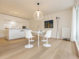 Bent u op zoek naar een volledig afgewerkt twee slaapkamer appartement in hartje Roeselare? Dan is dit luxueus afgewerkt appartement zeker iets voor u