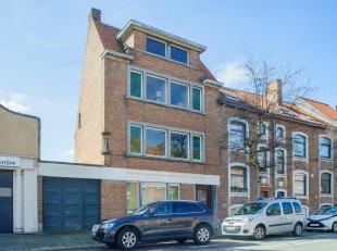 Kantoor te koop vlakbij het historisch en commercieel centrum van Brugge. Voormalig notariskantoor vlakbij het Graaf Visartpark. Dit huis biedt mogeli
