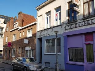 """Handelshuis bestaande uit een handelsgelijkvloers en bovengelegen woonst in de wijk """"Het Hazegras"""" te Oostende.<br /> <br /> Indeling:<br /> - Gelijkv"""