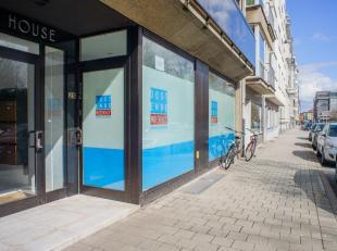 Handelsgelijkvloers op topligging in het centrum van Oostende aan het Leopoldpark!<br /> <br /> Kantoorruimte, praktijkruimte of handelsgelijkvloers v