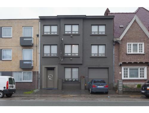 Appartementsgebouw te koop in Roeselare, € 495.000