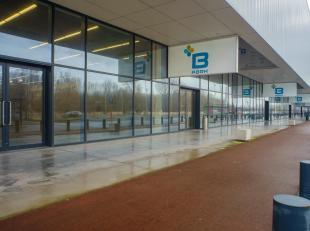 Retailunit op het B-Park in Brugge te huur.  <br /> <br /> Verdere bezetting: Decathlon, Carrefour, Lunch Garden, Sleepworld, Sportsdirect, Krëfe