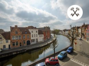 Ruim appartement te Brugge met adembenemend zicht op de Langerei. Luxueus ingericht met focus op lichtinval en wooncomfort. Het appartement bevindt zi