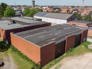 Bedrijfsvastgoed te koop dichtbij centrum van Sint-Niklaas.<br /> <br /> Dit bedrijfsgebouw, bestaande uit twee magazijnen, is gelegen nabij het centr