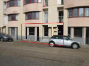 Bedrijfsvastgoed te koop langs de Coupure te Gent.<br /> <br /> Het kantoor bevindt zich op het gelijkvloers en is momenteel ingedeeld als é&ea