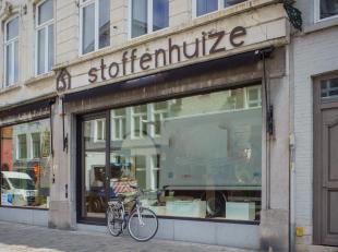 Gerenoveerd winkelpand te koop op een centrale en commerciële ligging in centrum Brugge. <br /> U beschikt over een grondoppervlakte van ca. 100