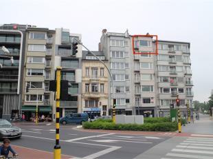 Dit appartement is gelegen aan het bekende Petit-Paris in Oostende, op een boogscheut van het bruisende centrum en het strand. Het appartement beschik
