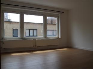 Gezellig appartement met twee slaapkamers in Oostende. Het appartement is gelegen dicht bij winkels en openbaar vervoer. Tevens is het appartement sle