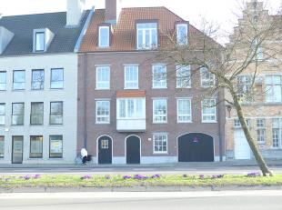 Ondergrondse autostaanplaats (nr. 26)  op ideale locatie in Brugge.<br /> Met uitstekende verbinding, vlakbij het centrum, de ring ...<br /> <br /> -