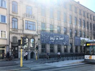 """<br /> """"Rust in de stad.""""  <br /> Het kantoor heeft een moderne uitstraling maar er is voldoende aandacht besteed aan de authentieke elementen in"""