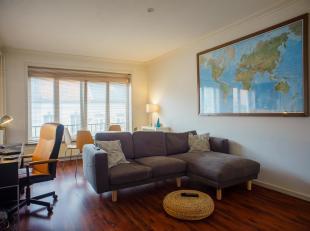 Op wandelafstand van het historische stadscentrum van Gent vinden we dit rustig gelegen appartement.<br /> Het appartement beschikt over twee volwaard