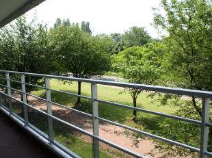 In de Jean Sibeliuslaan te  Anderlecht stellen wij u dit 2 slaapkamerappartement van 67m² voor. Gelegen in een groene omgeving nabij de parken va