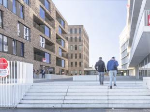 Prachtig nieuwbouwappartement (84m²) met 2 slaapkamers, ruim terras en berging op ideale locatie. Nabij het station van Brugge en dicht bij alle