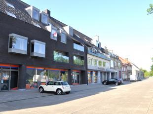 Recent duplex appartement aan de rand van Brugge met 1 slaapkamer, terras en autostandplaats in de nabijheid van supermarkten, winkels en openbaar ver