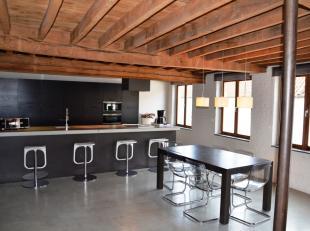 Unieke loft te huur met uitstekende ligging in het centrum van Brugge. Deze oude brouwerij werd volledig gerenoveerd met de grootste zorg en respect v