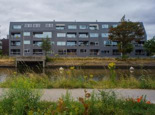 """In residentie """"Velettis"""", gelegen langs de Damse Vaart aan de stadsrand van Brugge, bevindt zich deze ondergrondse staanplaats (P10) te koop met plaat"""