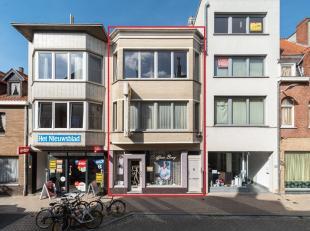 Te renoveren appartementsgebouw gelegen in de Kasteelstraat te De Panne. Dit gebouw situeert zich in het centrum, op wandelafstand van de Markt en Zee