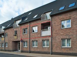 In het centrum van Lotenhulle vindt u dit knap appartement met 1 slaapkamer te koop. Hier geniet u een centrale ligging tussen Aalter en Deinze. Vlott
