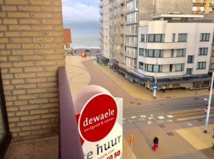 Gemeubeld appartement met 1 slaapkamer en zijdelings zeezicht vlak aan het casino van Middelkerke. Dit appartement beschikt over een hall, living met