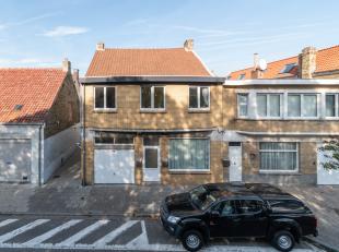 Immeuble consiste à 2 appartements loués et un garage à vendre à une situation centrale à la Panne. Situé da