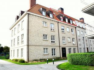 Modern duplex appartement met 3 slaapkamers, en terras langs de Komvest in Brugge. Vanuit het appartement heb je zicht op Brugge. <br /> <br /> Indeli