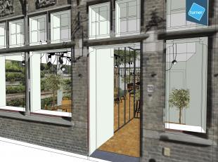 Volledig gerenoveerd handelspand te huur in het volle centrum van Brugge met tuin (ca. 100m²).<br /> <br /> Geschikt voor horeca en/of combinatie