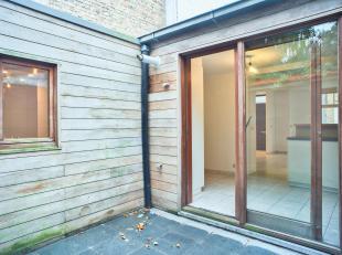 Op een boogscheut van de Langerei en de Potterierei bevindt zich dit rustig gelegen huis in rij te koop bestaande uit onder andere 2 ruime slaapkamers