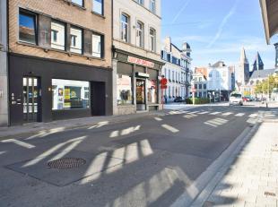 Mooi investeringdpand op commerciële locatie te koop in de Sint-Pietersnieuwstraat te Gent. <br /> <br /> De heropleving, de goede bereikbaarheid